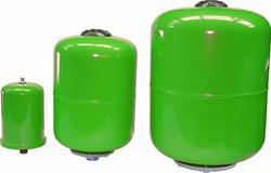 Pump tanks